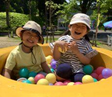 作品No:61 桂公園 集合!<br><br>4月から保育園が離れ離れになってしまった親友と2ヶ月ぶりの再会!また来月も桂公園集合しようねー♩<br><br>