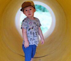 作品No:2 トンネルの向こうに<br><br>トンネルを抜けたら何があるか少し不安げな表情がたまりません!<br><br>