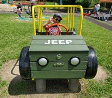 作品No:78 車大好き!!<br><br>車大好きで公園のジープを運転!ママも乗って~って言ってました笑<br><br>