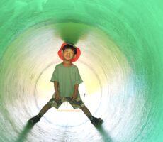作品No:220 トンネルの中でぽか〜ん<br><br>トンネルの中でぽか〜ん。<br /> 何を考えているんでしょうか(﹡´◡`﹡ )<br><br>