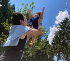 <strong>作品No:147 汗キラッキラの夏</strong><br><br>10ヶ月の娘と迎える初めての夏。2人とも汗いっぱいかきながら公園遊びしました。娘と汗をいっぱいかきながら娘との公園遊びを心から楽しみました。